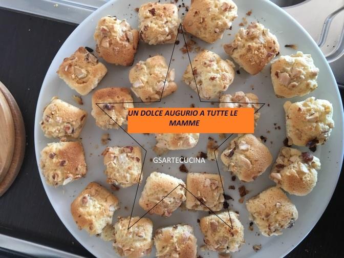 Dolci con granella per la festa della Mamma